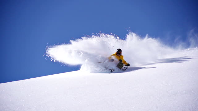 deep snow skiing - skiing stock videos & royalty-free footage