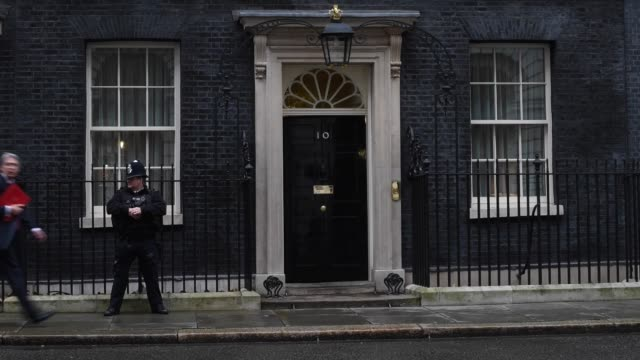 defence secretary philip hammond arrives at downing street before a cabinet meeting on december 1 2015 in london england prime minister david cameron... - フィリップ ハモンド点の映像素材/bロール