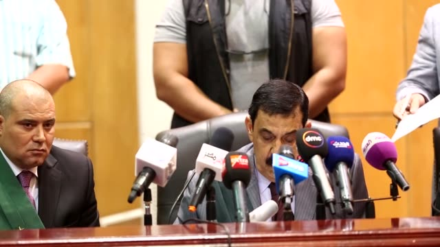 defendants are seen during the summary judgement session of 'cabinet incidents' trial chaired by judge nagy shehata at cairo criminal court in cario... - giudizio video stock e b–roll