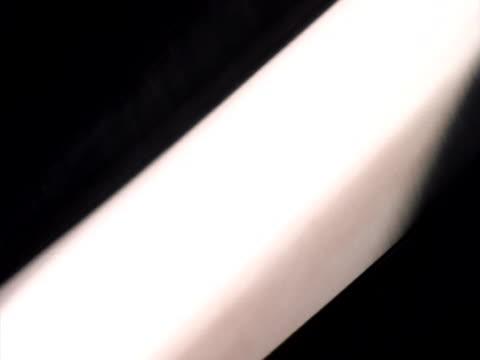vídeos de stock, filmes e b-roll de defocused chrome shapes - cromo metal