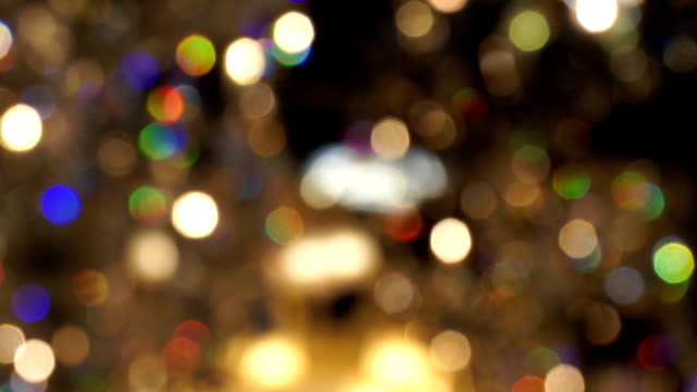 vidéos et rushes de flou lumière lampe en cristal. lent panoramique. - diamant