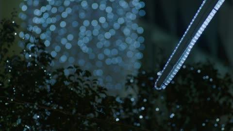 vídeos y material grabado en eventos de stock de defocused outdoor christmas lights, oxford street - enfoque en primer plano