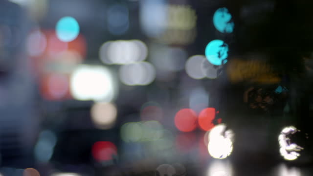 defocused street scene in tokyo - street light stock videos & royalty-free footage