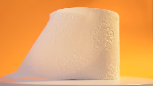 vídeos de stock e filmes b-roll de 360 degree rotating object - higiene pessoal