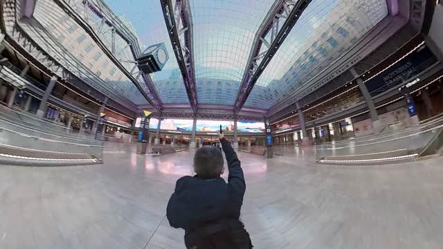 360 degree view of moynihan train hall - new york - new york city penn station stock videos & royalty-free footage