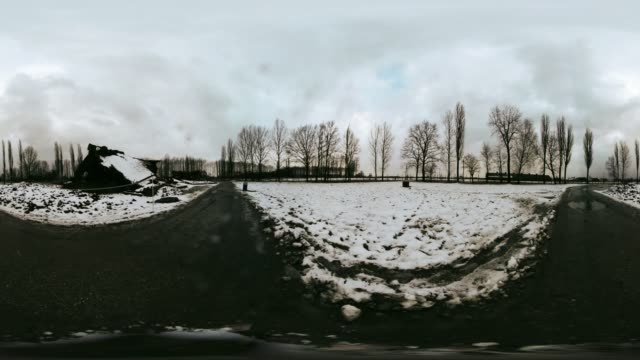 vídeos y material grabado en eventos de stock de a 360 degrees look inside auschwitzbirkenau the largest nazi death camp which was liberated on 27 january 1945 holocaust memorial day is the day for... - mp4
