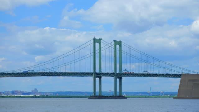 デラウェア記念橋:デラウェア州とニュージャージー州の間の橋 - デラウェア川点の映像素材/bロール