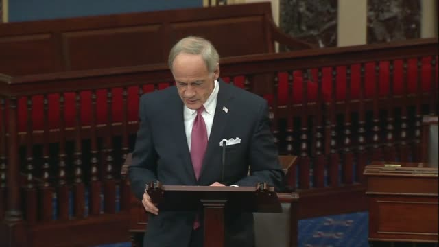 vidéos et rushes de delaware senator tom carper says in senate floor remarks on providing state and local government budget relief in a comprehensive coronavirus relief... - debt