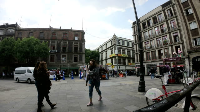 delay: mexico city street - torre latinoamericana stock videos & royalty-free footage