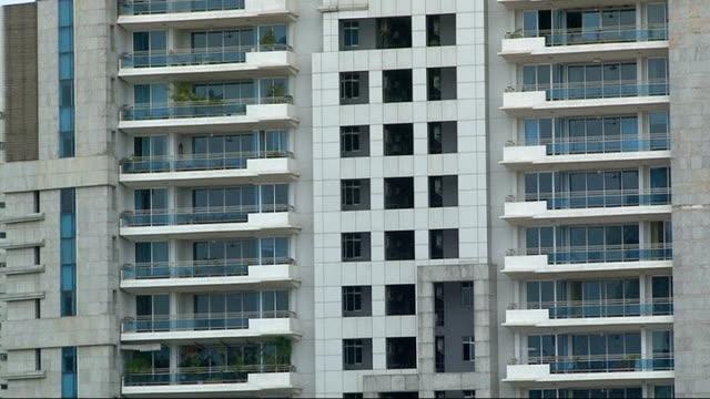 Delhi apartment blocks and shopping centre INDIA Delhi Vasant Kunj EXT General views of newly built highrise residential luxury apartment blocks/...