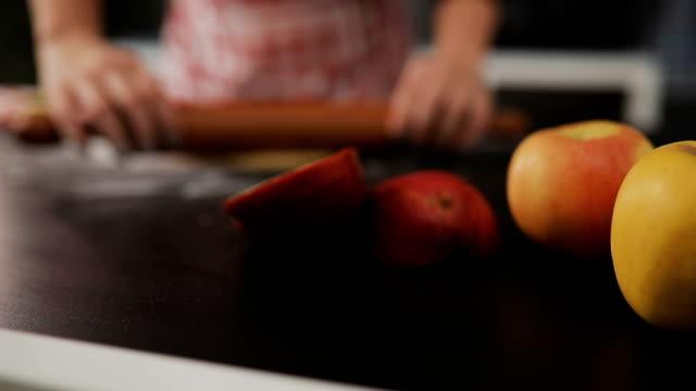 delicious apple pie - cinnamon stock videos & royalty-free footage