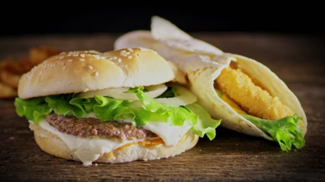 SLO MO DS Delicious hamburger and chicken wrap