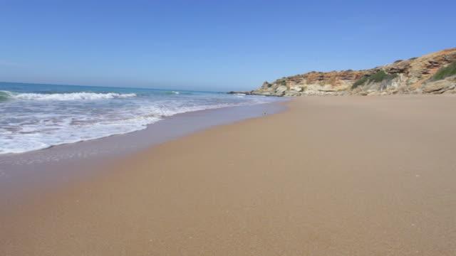 stockvideo's en b-roll-footage met delightful beach with nobody - middellandse zee