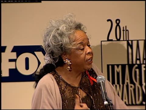 della reese at the naacp 28th annual image awards on february 8 1997 - naacp stock videos & royalty-free footage