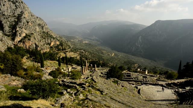vídeos de stock, filmes e b-roll de delphi ruínas na grécia - grécia