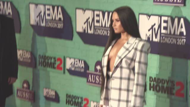 demi lovato at mtv ema awards at the sse arena wembley on november 12 2017 in london england - 2017 stock-videos und b-roll-filmmaterial
