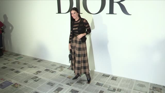 demi moore and romee strijd pose for the photographers at the dior ready to wear fall winter 2020 fashion show in paris. tuesday 25, february 2020.... - demi moore stock videos & royalty-free footage