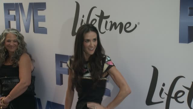 demi moore at the 'premiere of lifetime's five, from jennifer aniston, demi moore, alicia keys' at new york ny. - demi moore stock videos & royalty-free footage