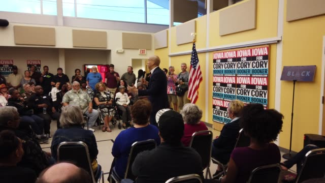 democratic candidate for president of the united states cory booker campaigns during an iowa democratic party black caucus town hall in des moines... - vorwahl stock-videos und b-roll-filmmaterial