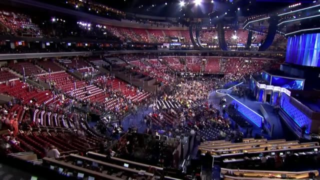 democratic convention: hillary clinton officially accepts nomination; usa: pennsylvania: philadelphia: democartic convention: int speeded up sequence... - ペンシルベニア州点の映像素材/bロール