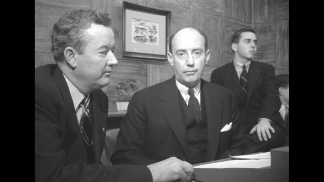 cu democratic presidential candidate adlai stevenson and vp running mate john sparkman seated at desk at governor's mansion stevenson's son borden in... - アドレー スティーブンソン点の映像素材/bロール