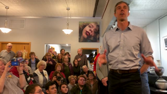 democratic presidential candidate beto o'rourke talks with voters during his second day of campaigning for the 2020 nomination at art domestique... - candidate stock videos & royalty-free footage