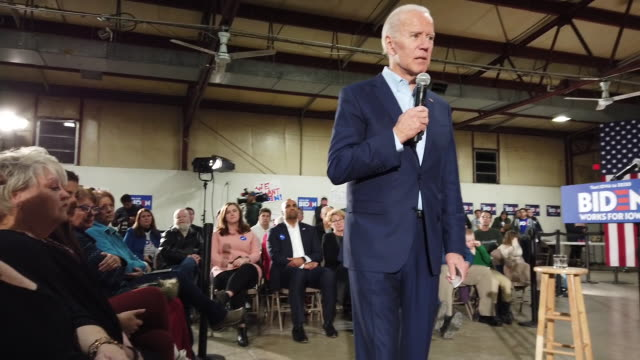 democratic presidential candidate former vice president joe biden speaks during a campaign event at the central iowa fairgrounds january 26, 2020 in... - 副代表点の映像素材/bロール