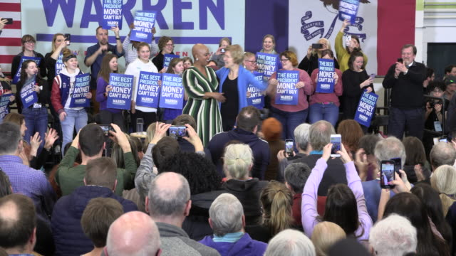 democratic presidential candidate hopeful elizabeth warren campaigns two days before the iowa caucus, february 1, 2020 in iowa city, iowa. - democratic party usa stock videos & royalty-free footage