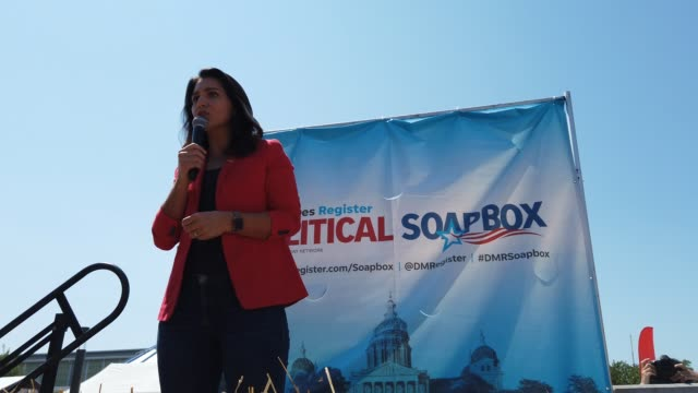 democratic presidential candidate rep tulsi gabbard speaks at the des moines register political soapbox during the iowa state fair august 09 2019 in... - candidate stock videos & royalty-free footage
