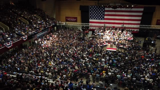 democratic presidential candidate sen. bernie sanders addresses thousands of supporters during a campaign rally at the roy wilkins auditorium march... - 研磨器点の映像素材/bロール