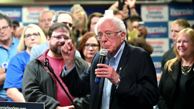 stockvideo's en b-roll-footage met democratic presidential candidate sen bernie sanders speaks during a stop at a campaign field office on february 02 2020 in west newton iowa iowa's... - presidentsverkiezing