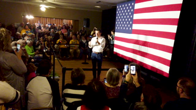 democratic presidential candidate south bend, indiana mayor pete buttigieg speaks at a campaign rally at the elks lodge on november 03, 2019 in... - presidential candidate stock videos & royalty-free footage