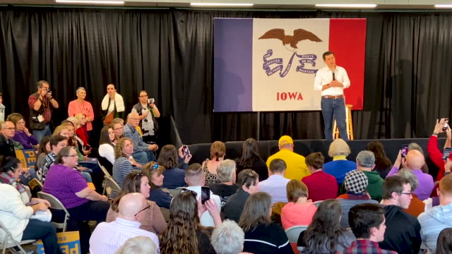 democratic presidential candidate south bend indiana mayor pete buttigieg speaks to voters during a campaign rally on november 03 2019 in waverly... - political rally stock videos & royalty-free footage