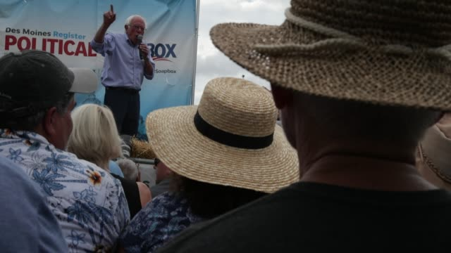 democratic presidential candidate us sen bernie sanders delivers campaign speech at the des moines register political soapbox at the iowa state fair... - candidate stock videos & royalty-free footage