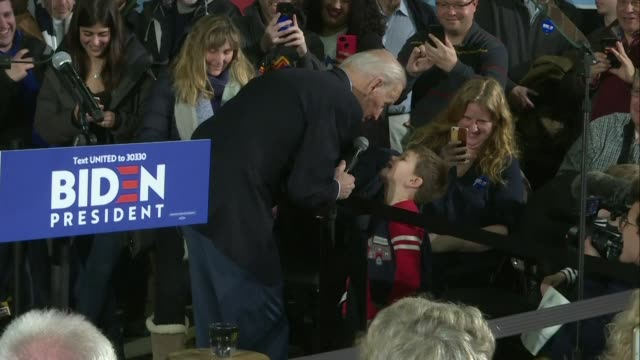 vídeos de stock, filmes e b-roll de democratic presidential hopeful and former vice president joe biden takes aim at his rivals pete buttigieg and bernie sanders ahead of the new... - primary election