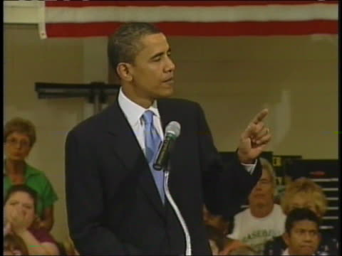 democratic presidential hopeful barack obama speaks out against the iraq war while campaigning in iowa. - 2007 bildbanksvideor och videomaterial från bakom kulisserna