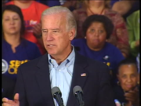 vidéos et rushes de democratic vice presidential nominee senator joe biden speaks about the need for change in the 2008 presidential election. - tous types de crises