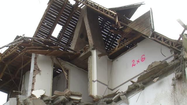 ms demolition of apartment block / saarburg, rhineland-palatinate, germany - saarburg stock-videos und b-roll-filmmaterial