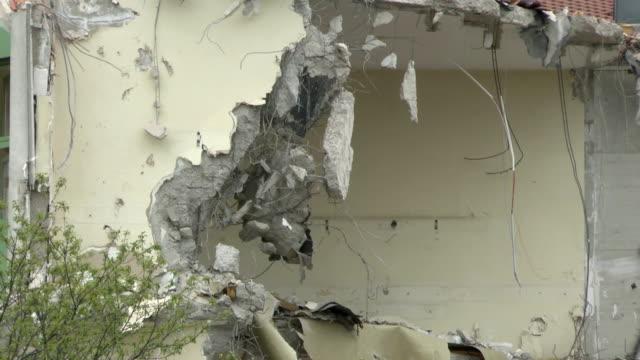 vídeos y material grabado en eventos de stock de demolición - isla de mull