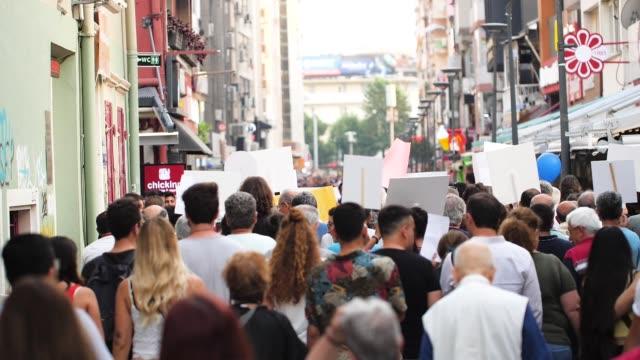 デモンストレーション - スローモーション - 抗議者点の映像素材/bロール