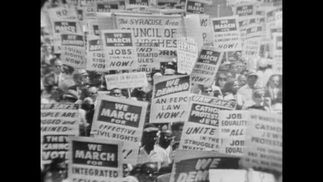 vídeos de stock e filmes b-roll de demonstrators at the march on washington - 1963