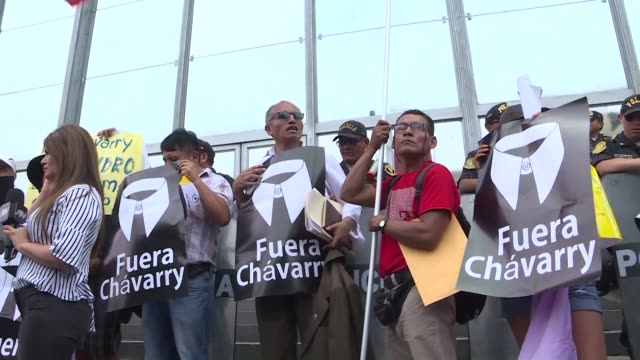 demonstrators gather outside of the public ministry in lima where the attorney general's office is located protesting against ag pedro chavarry who... - generalstaatsanwalt stock-videos und b-roll-filmmaterial
