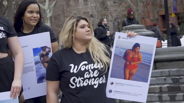 demonstrators gathered and rallied in manhattan's washington square park for the international women's day new york city 2018 after the rally they... - internationaler frauentag stock-videos und b-roll-filmmaterial