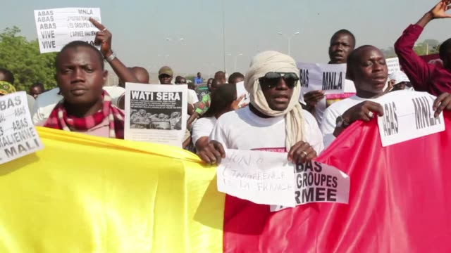 demonstrators gathered in the malian capital bamako thursday to protest against frances policy in the northern town of kidal amid suspicions of links... - separatism stock videos & royalty-free footage