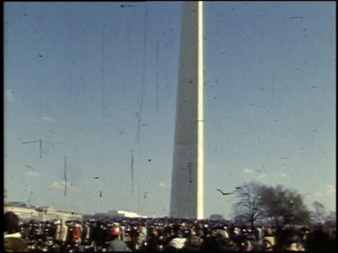 vidéos et rushes de demonstrators gathering around the washington monument / washington d.c., united states - 1969