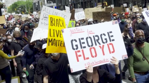 stockvideo's en b-roll-footage met demonstrators rallied at foley square and marched throughout downtown manhattan in solidarity with the death of george floyd in minneapolis.... - chanten