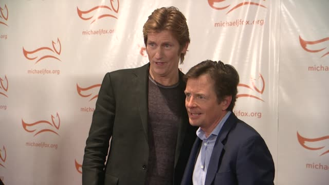 denis leary and michael j fox at a funny thing happened on the way to cure parkinsons at the waldorf astoria hotel on november 10 2012 in new york... - michael j. fox stock videos and b-roll footage