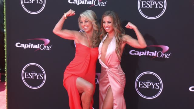 vídeos de stock, filmes e b-roll de denise austin katie austin at the 2017 espys in los angeles ca - espy awards