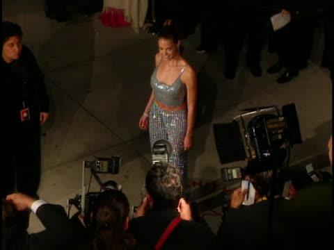 vídeos de stock, filmes e b-roll de denise richards at the academy awards vanity fair at mortons, west hollywood in west hollywood, ca. - festa do oscar