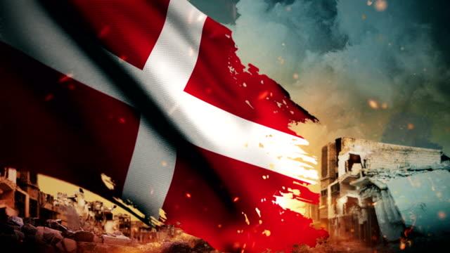 vídeos y material grabado en eventos de stock de 4k dinamarca bandera - crisis / guerra / fuego (lazo) - danish flag